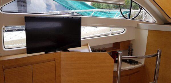 Crucero Genesis 380